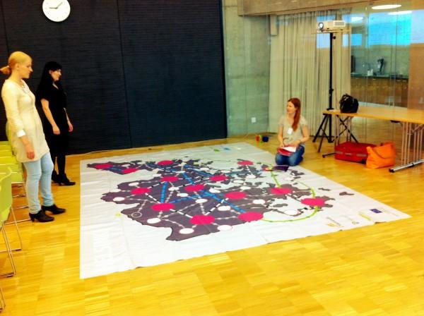 Vyyhti-projektin Sanna Ristaniemi ja Susanna Snellman kokosivat Vyyhtipelin ESR-koordinaattori Sanna Laihon avustuksella.