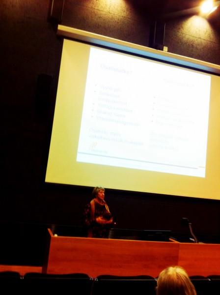 Vaikuttavuustutkija Leena kertoo hankkeen vaikuttavuuden arvioimisen käytännöistä ja haasteista.